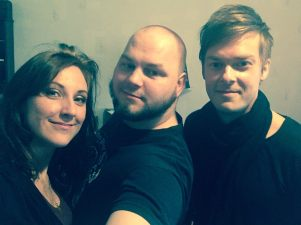 Tina Salminen, Samuli Koivulahti ja Heikki Laatikainen studiolla 2018
